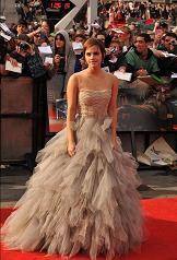 Emma Watson impresionante en el estreno de la última película de Harry Potter