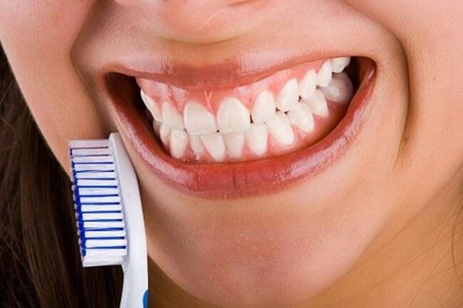 Alimentos que dañan los dientes