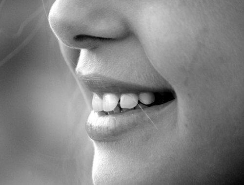 Corregir la forma de tu nariz con maquillaje