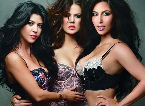 Las hermanas Kardashian posan en ropa interior