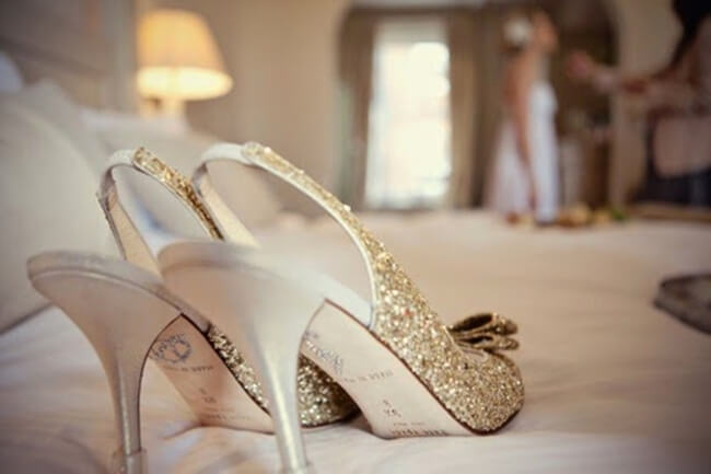 Zapatos de novia brillantes