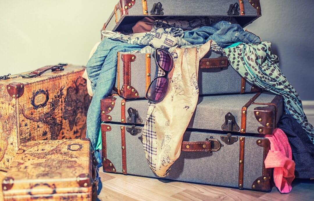 ¿Por Qué Llevarse Medio Armario En Vacaciones?
