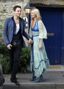 Kate Moss y Jamie Hince la noche antes de su boda