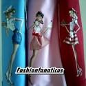 Los delantales más originales presenta su nueva colección con chicas pin up de los años 50