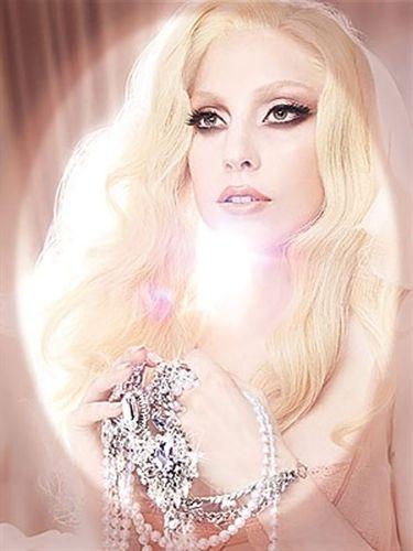 Lady Gaga y MAC juntos contra el SIDA