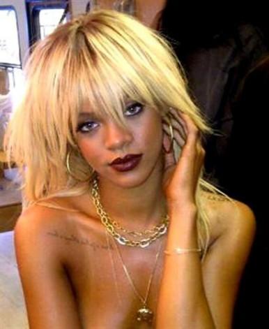 Rihanna cambia de look