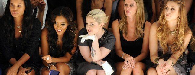 Cuánto cobran las famosas por sentarse en una front row