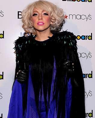 Lady Gaga y su última extravagancia, tiene un vestido de cabello humano