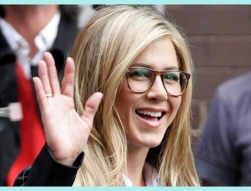 jennifer aniston con gafas de moda
