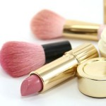 Lo que no debe faltar en tu kit de maquillaje de primeros auxilios