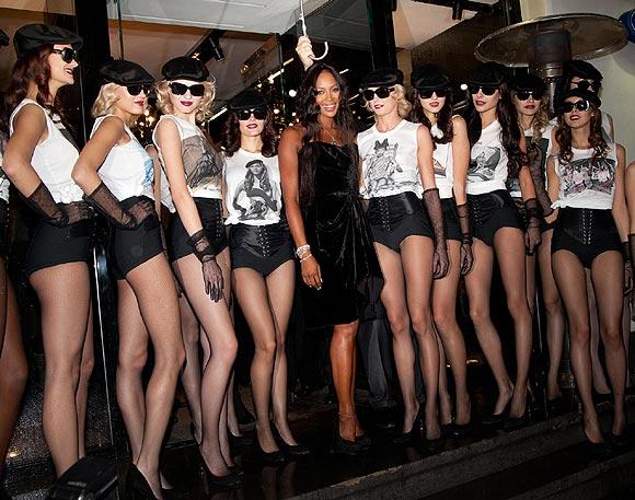 Naomi Campbell celebra sus 25 años en el mundo de la moda