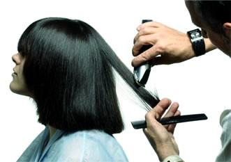 Quitate años de encima con un buen corte de pelo.