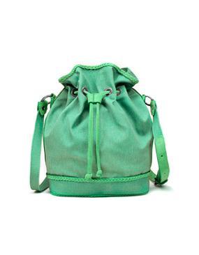 El bolso saco, todo un must para este verano 2011