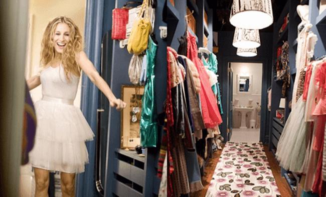 Prendas clave que nunca deben faltar en tu armario