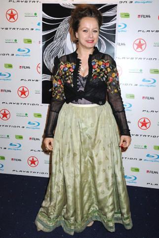 samantha-morton-peor-vestidas