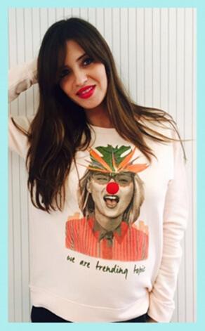 Sara Carbonero con camiseta de Dear Tee
