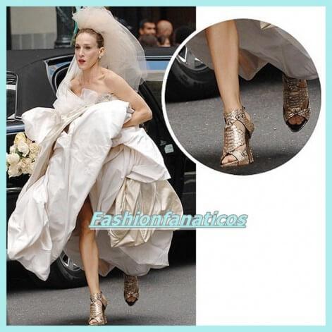 Sandalias doradas, todo un must entre las novias