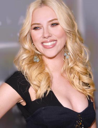 Scarlett Johansson diseña una bolsa solidaria para MANGO