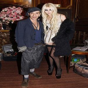 Taylor Momsen, Las Chicas Buenas Van Al Cielo las Malas…