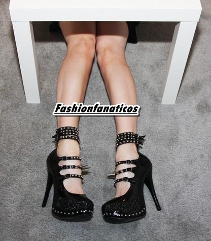 Tendencias calzado, Sarenza te acerca la última moda, zapatos con pinchos!!